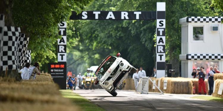 Nissan Juke NISMO sets two wheel driving record