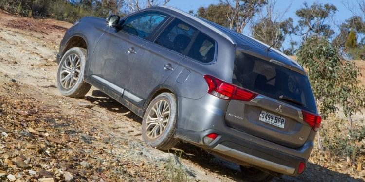 2015 Mitsubishi Outlander XLS diesel review   Practical Motoring