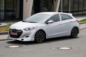 Hyundai i30 hot hatch spied