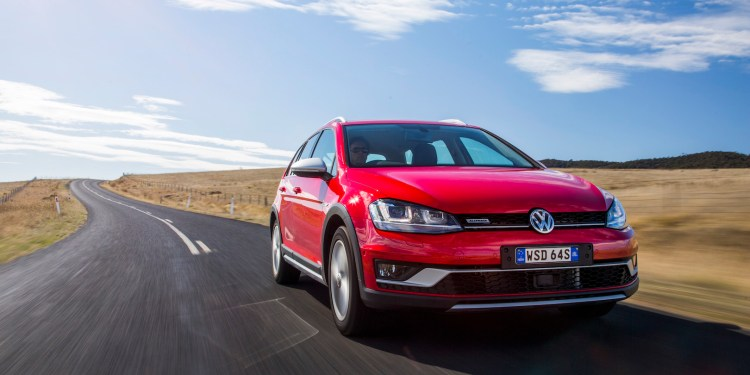 2016 Volkswagen Golf Alltrack car review