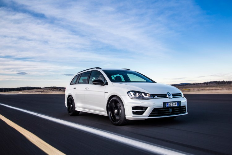 2016 VW Golf R Wolfsburg car review
