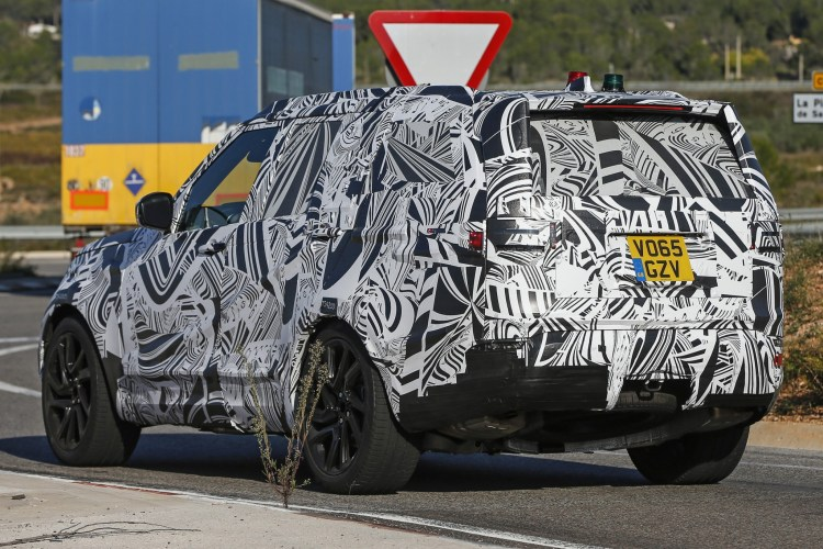 2017 Land Rover Discovery spied