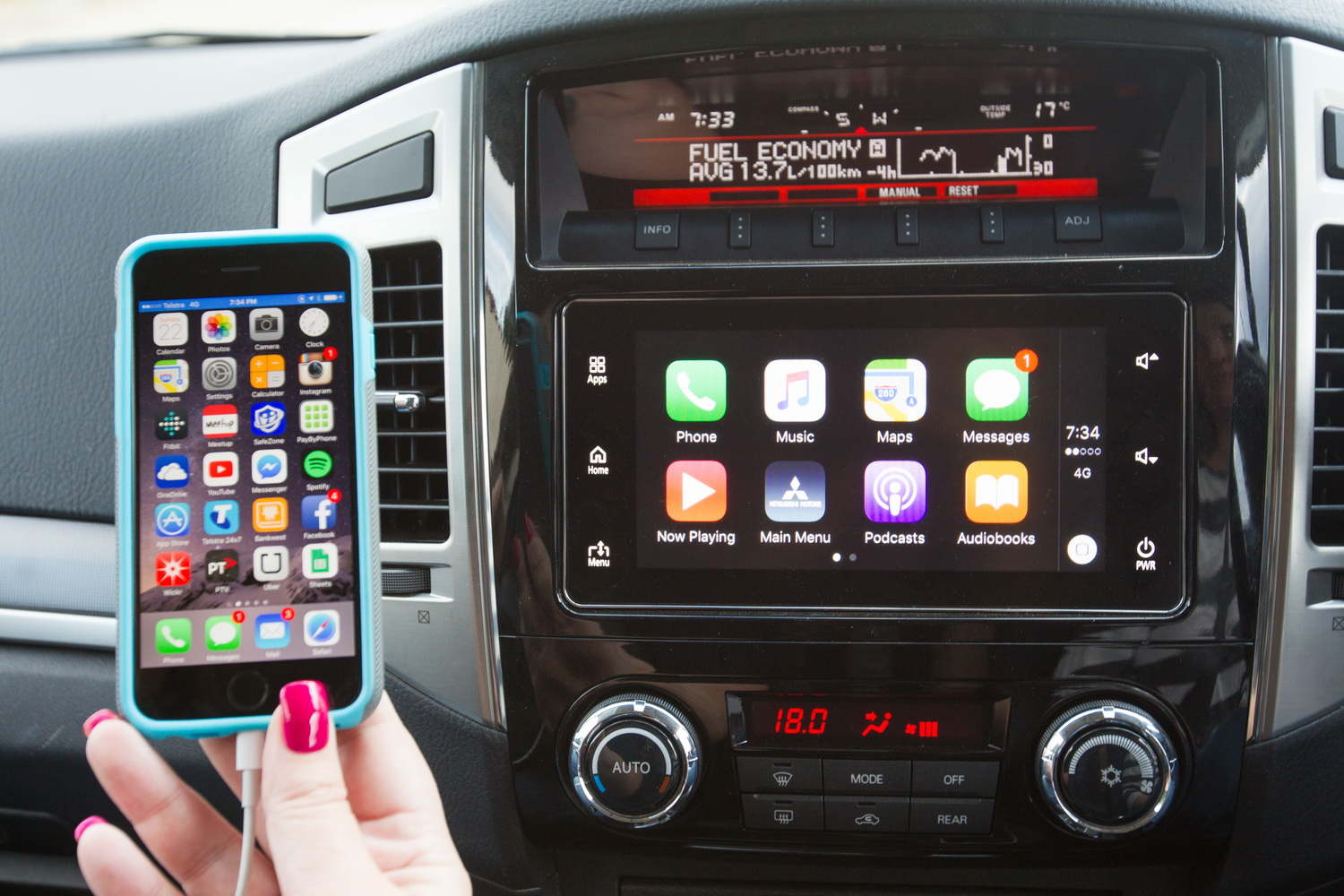 testing android auto and apple carplay in a 2016 mitsubishi pajero gls practical motoring. Black Bedroom Furniture Sets. Home Design Ideas