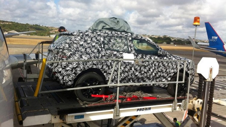 Jeep C-SUV spied
