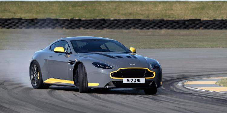 Refreshed Aston Martin V12 Vantage S to come with manual transmission