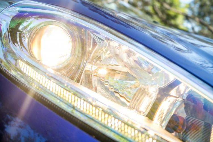 How to change a headlight globe explained