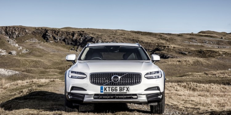 2017 Volvo V90 Cross Country D5 AWD Review by Practical Motoring