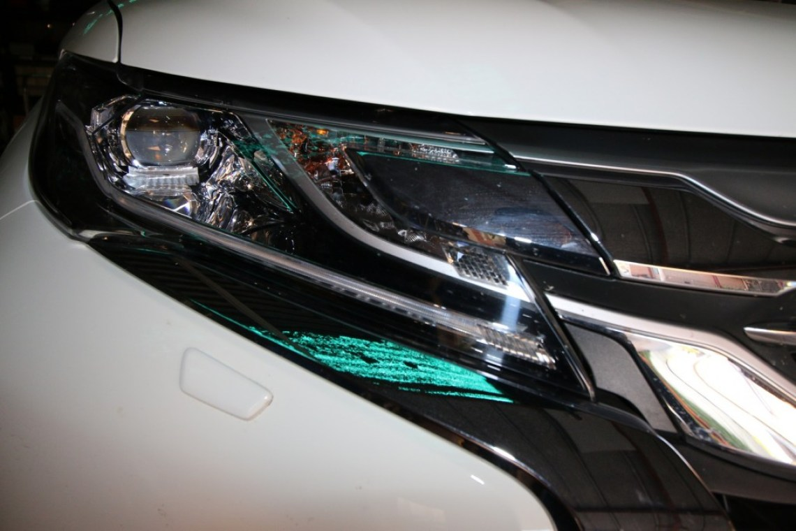 Blinded By The Light Car Headlights Explained Practical Motoring Adaptive Lighting System For Automobiles Led Projector Headlight From Pajero Sport A Pop Out Washer Can Be Seen Below