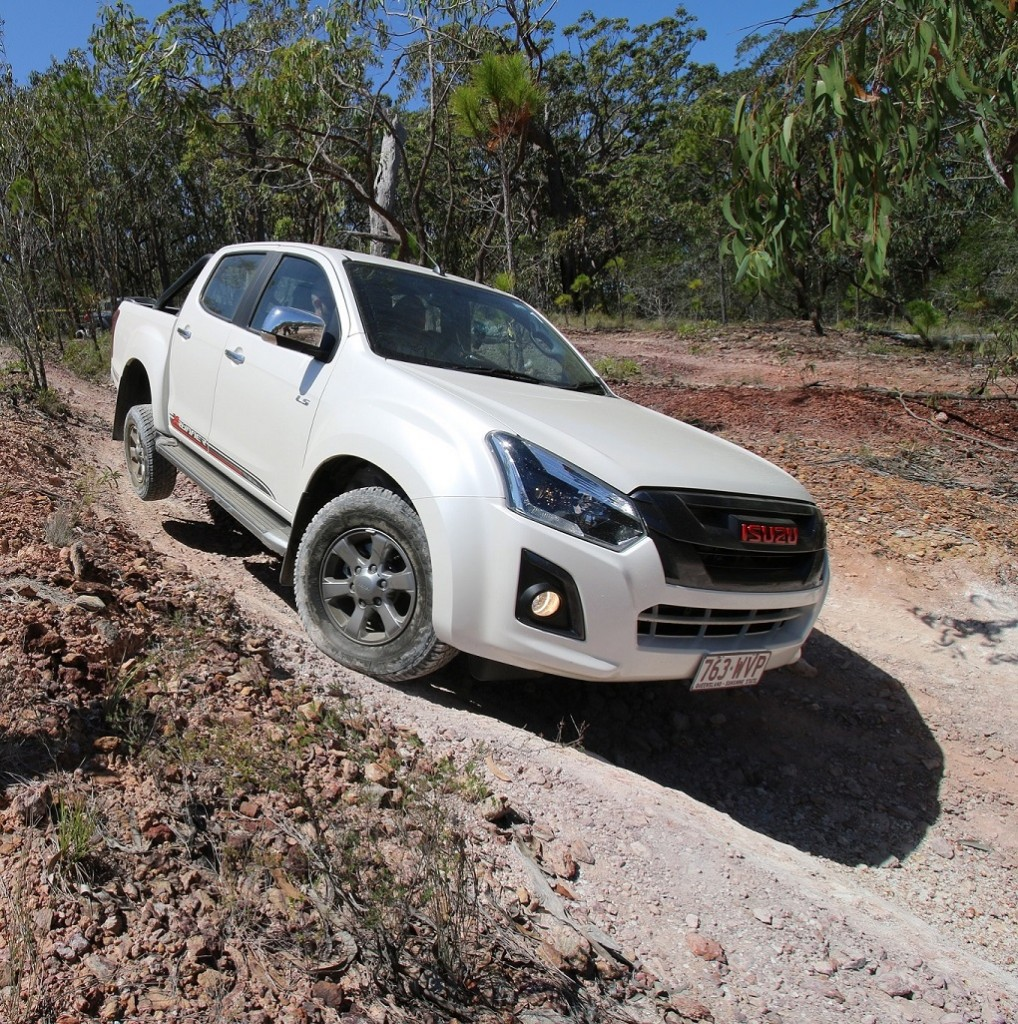 2017 isuzu d max review practical motoring. Black Bedroom Furniture Sets. Home Design Ideas