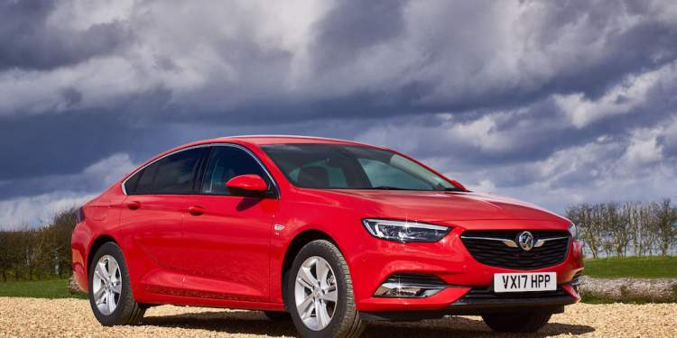 2018 Opel Insignia Review and 2018 Holden Commodore Review by Practical Motoring