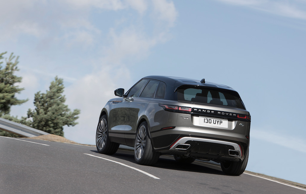 2018 land rover evoque. exellent land it is of course the apogee strippedback style evinced by land  roveru0027s design department under chief officer gerry mcgovern inside 2018 land rover evoque m