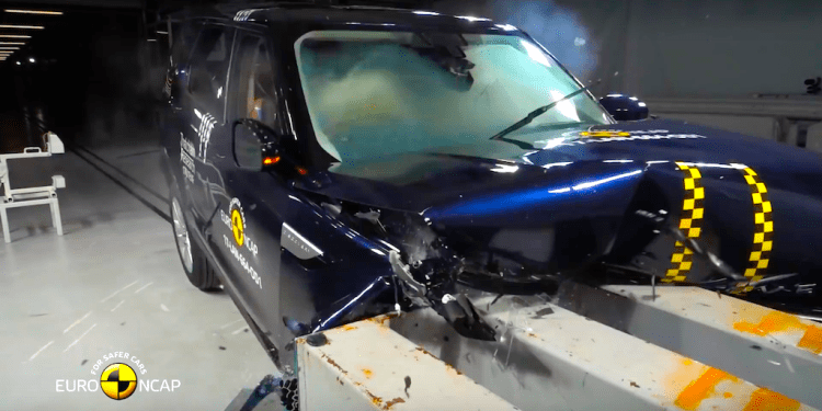 Euro NCAP Land Rover Dsicovery crash test