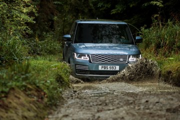 The 2018 Range Rover will arrive in Australia in March 2018 priced from $190,000 and with access to the clever plug-in hybrid technology recently launched on the Range Rover Sport.
