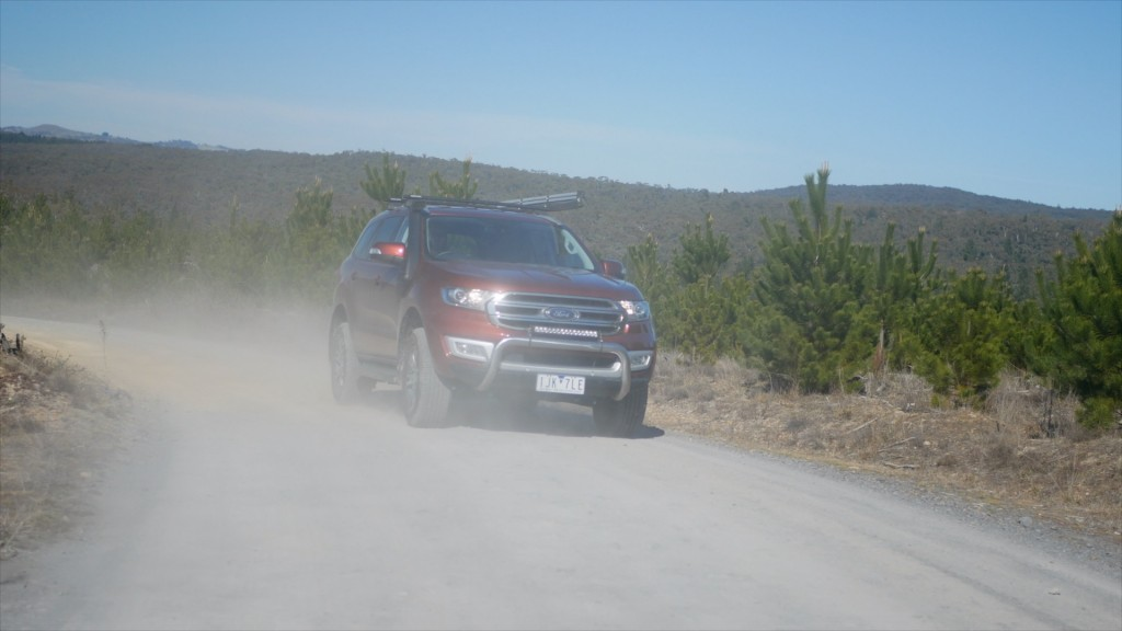 Ford Everest Convoy in outback