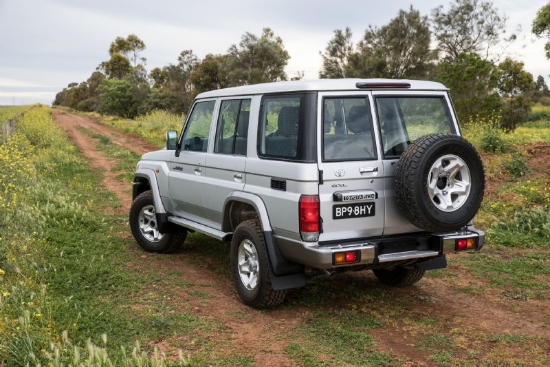 2017 Toyota landCruiser 76 Series Wagon review