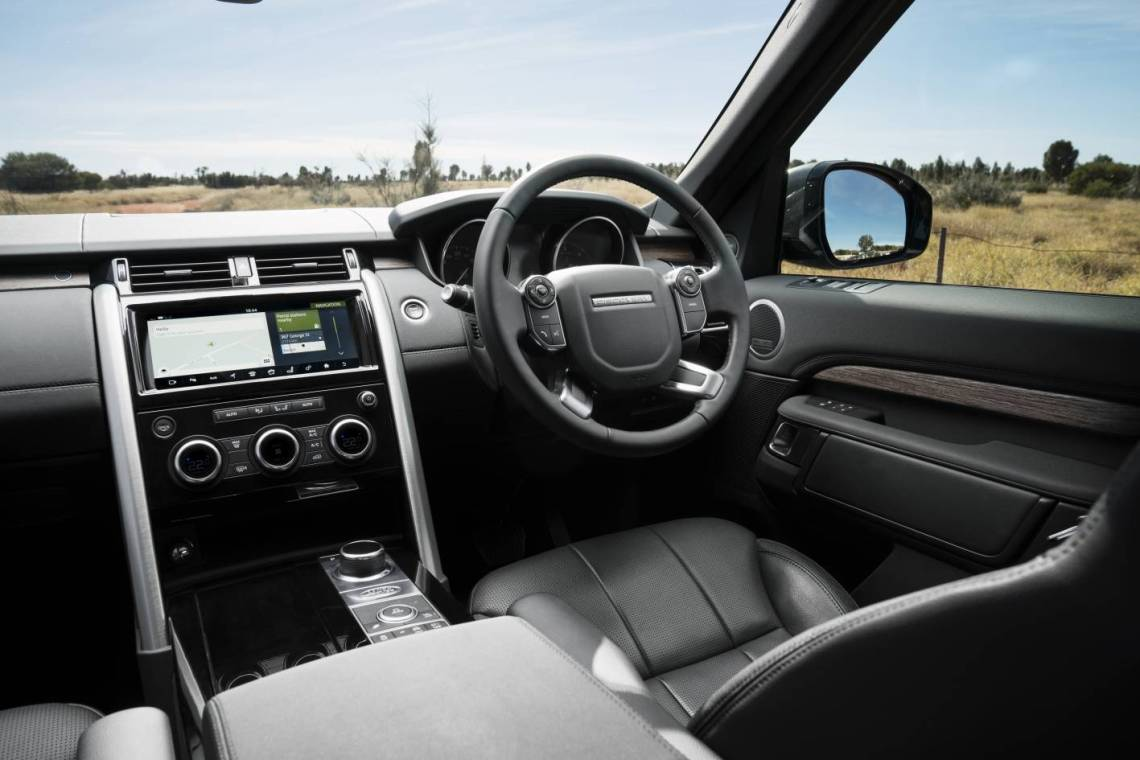 2018 Land Rover Discovery TDV6 HSE Review