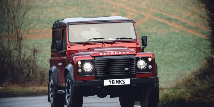 While we continue to wait for the all-new Defender, Land Rover has announced a limited-run of 150 Defender Works V8s - fastest Defender ever.