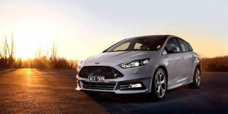 Ford Focus ST Review by Practical Motorng