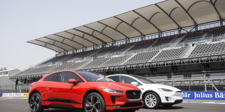 Jaguar I-Pace races a Tesla Model X