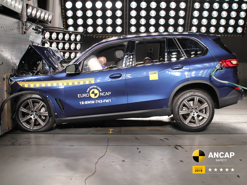 BMW scores 5 star ANCAP rating but issues raised about knee airbag deployment