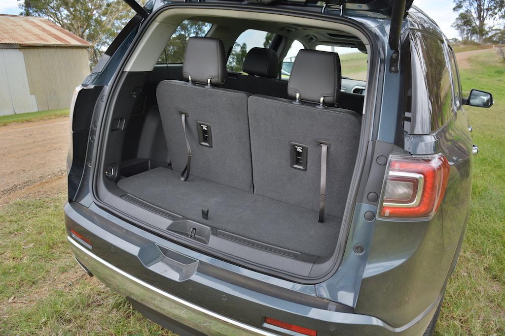 Holden Acadia Vs Mazda CX-9