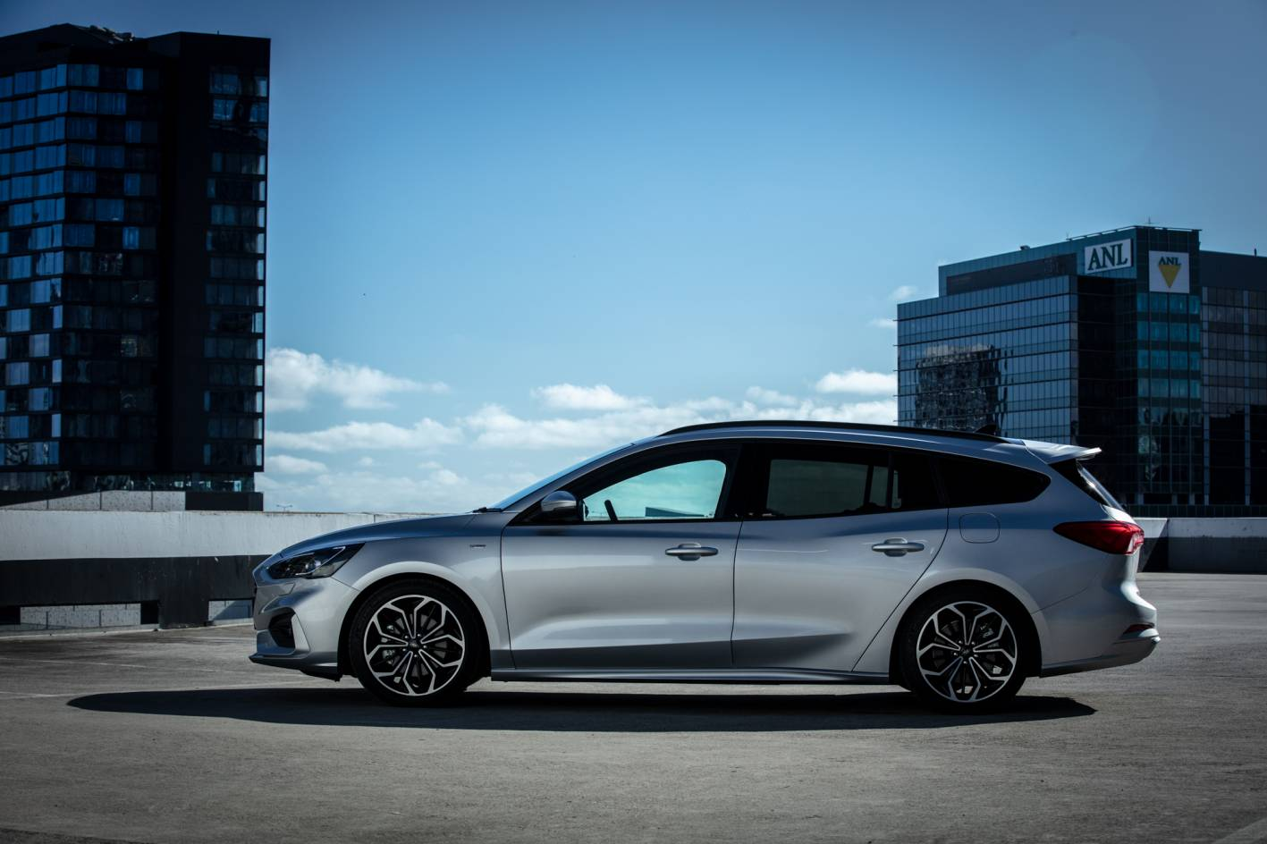 2019 Ford Focus ST-Line Wagon Review | Practical Motoring