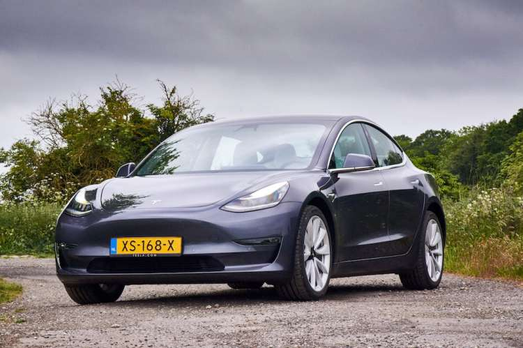 2019 Tesla Model 3 Review
