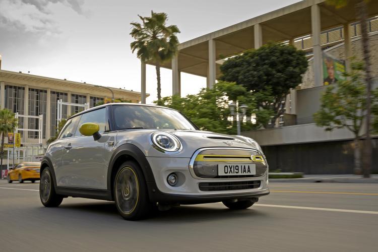 all-electric Mini Cooper SE