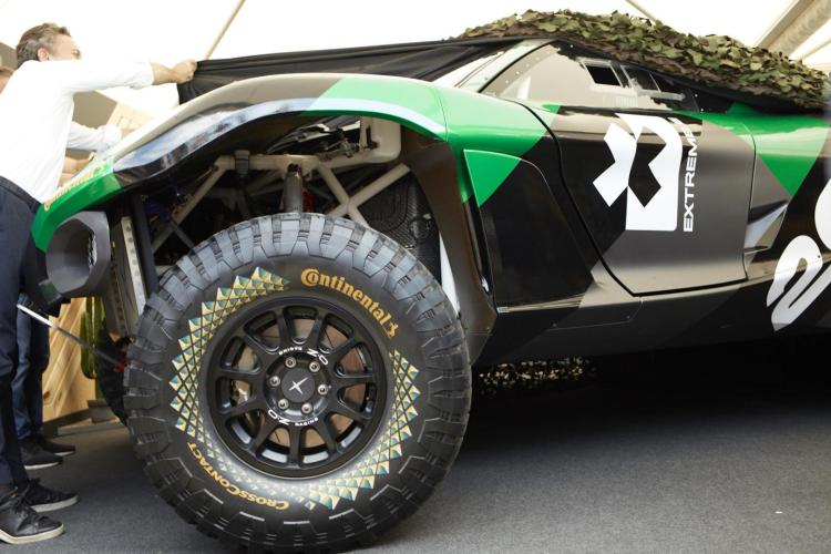 Electric cars are taking on traditional motorsports from Formula E to rally driving with the launch of the Extreme E off-road racing series and the Odyssey 21 electric off-road racer