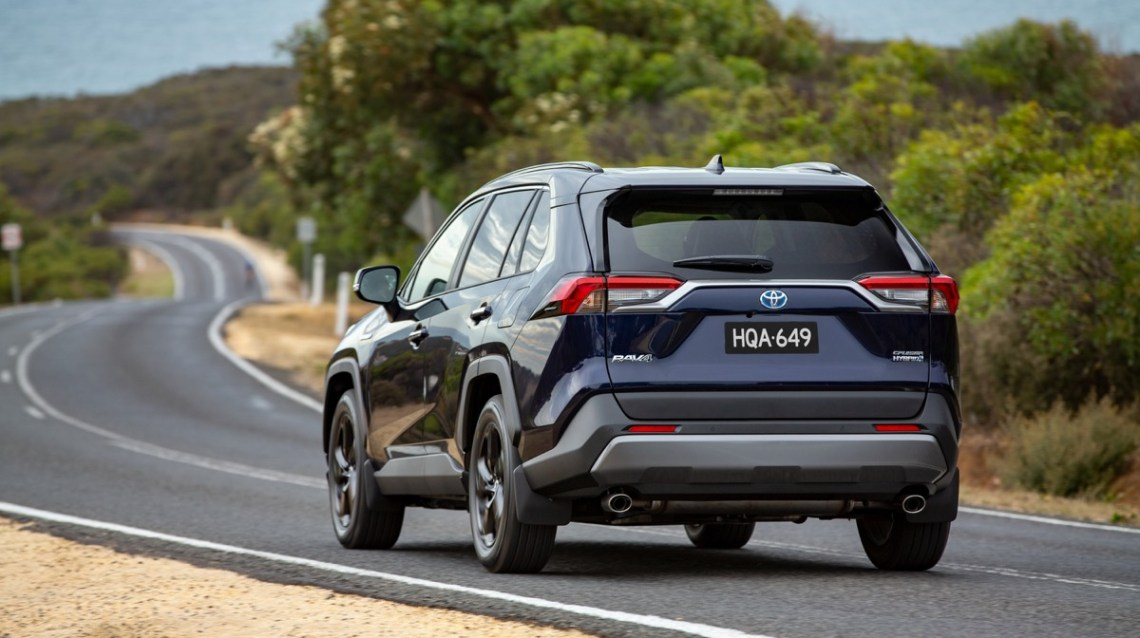 Toyota Rav4 Hybrid driving