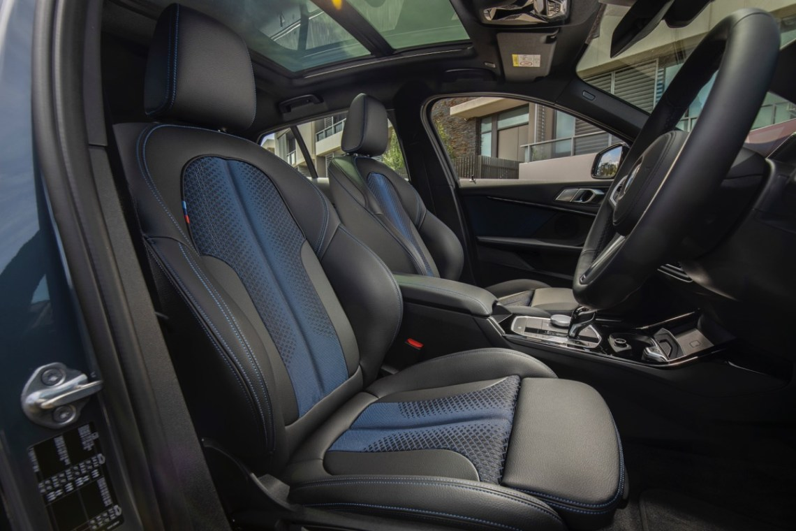 2020 BMW 118i front seat