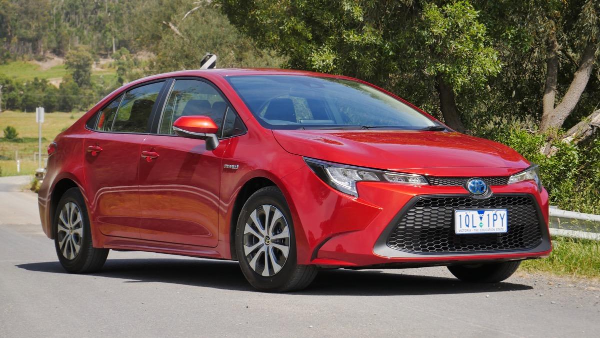 Kelebihan Sedan Toyota Perbandingan Harga