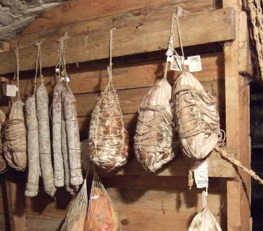 How To Preserve a Whole Pig Without Refrigeration