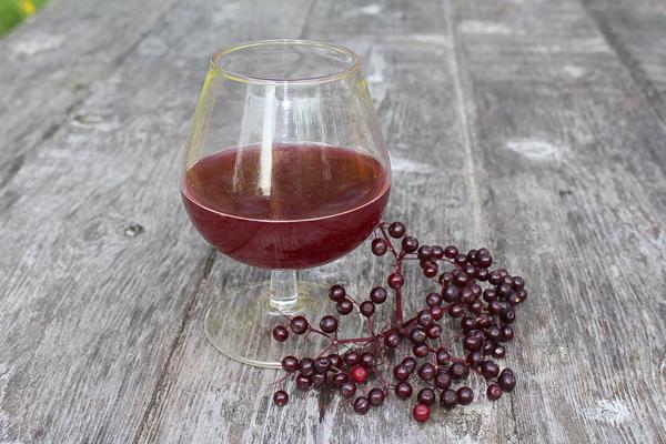 small batch elderberry mead
