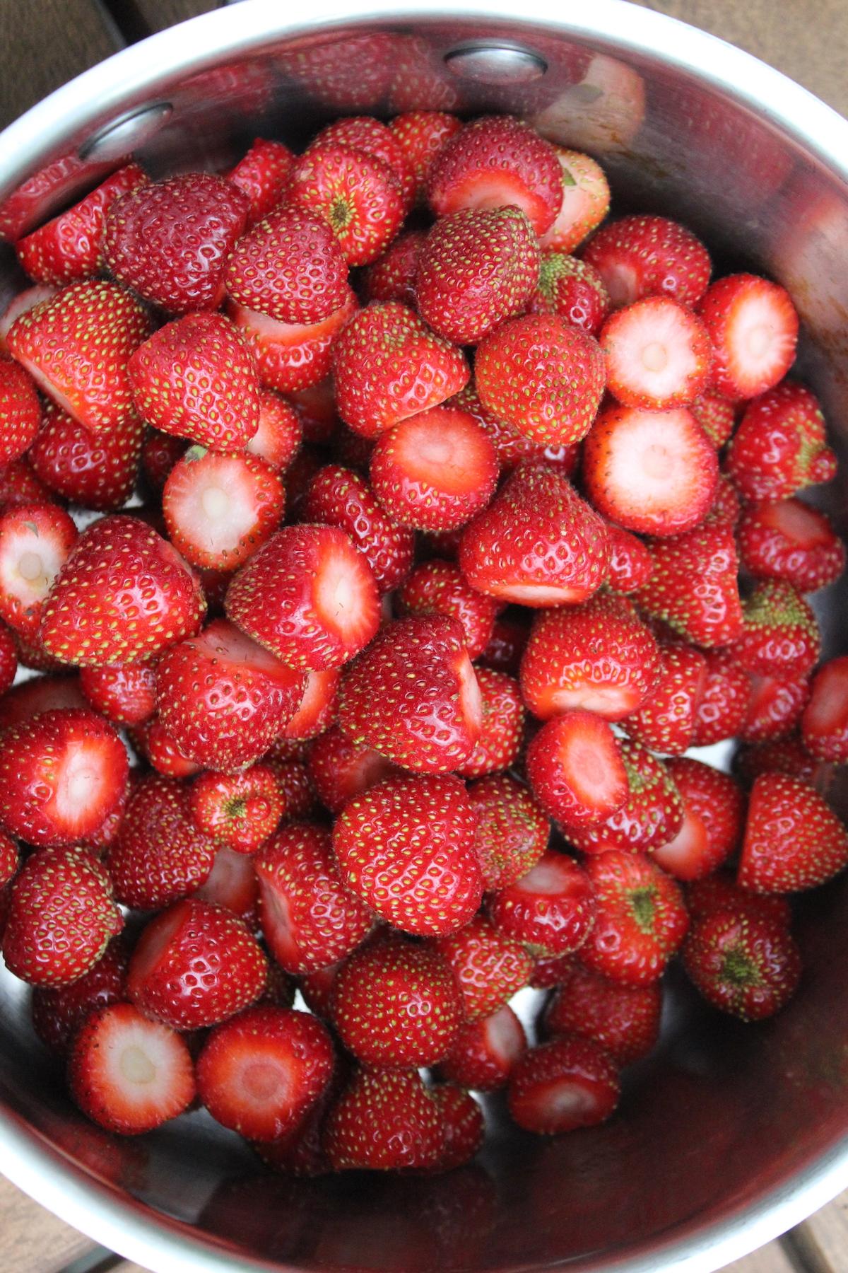 Hulled Strawberries fo Jam