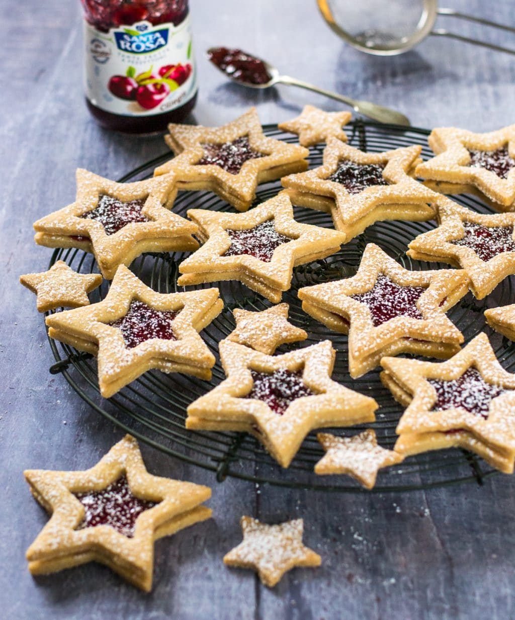 Vegan Jammy Star Biscuits from the Veg Space
