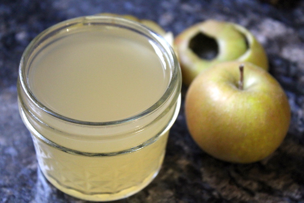 Homemade Apple Scrap Vinegar