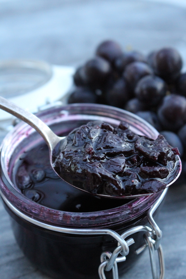 Old Fashioned Grape Jam with No Added Pectin
