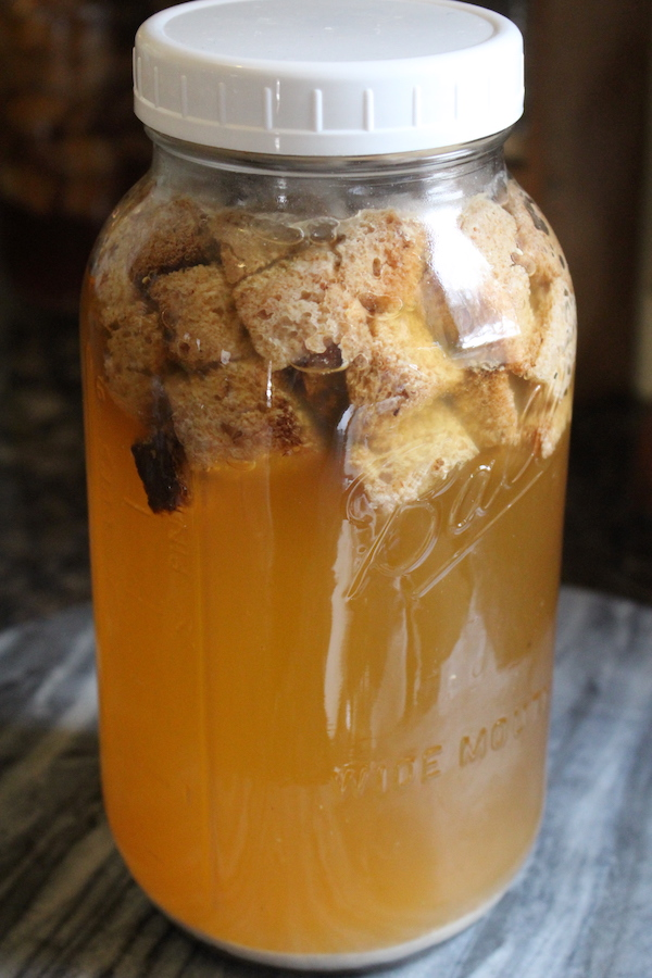 rye bread kvass fermenting
