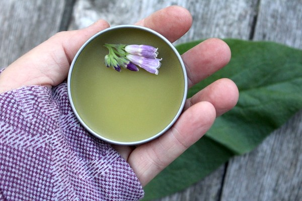 A herbal healing salve with comfrey is useful for wound healing and muscle pain.