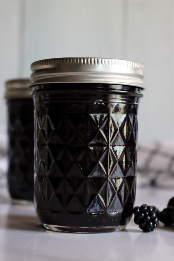 Homemade seedless blackberry jelly