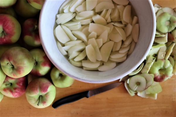 Preparing Apples for Canning