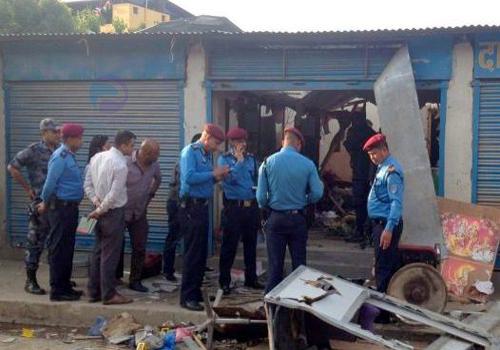 काठमाडौं बम विष्फोटमा ३ जनाको ज्यान गयो, घटना स्थलमा विप्लवको पर्चा भेटियो