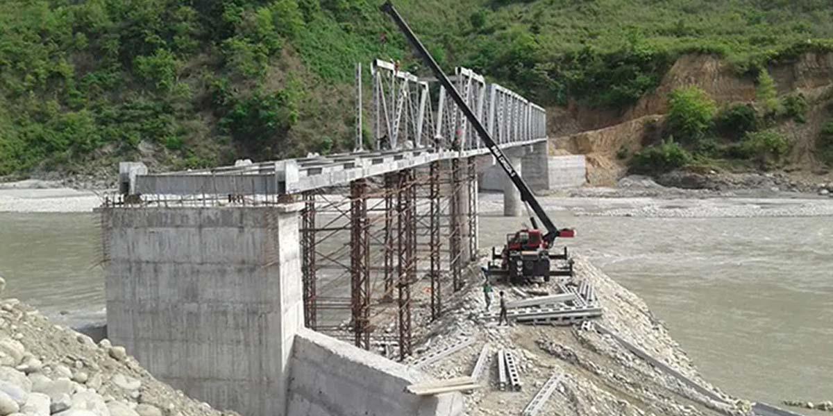 तापखोलामा निर्माणाधीन पक्की पुल निर्माणको काम अन्तिम चरणमा