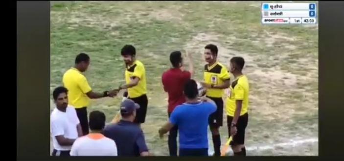 सुन्दरहरैचा मेयर कप फुटबल : रेफ्रि विनोद धिमालमाथि हात पात
