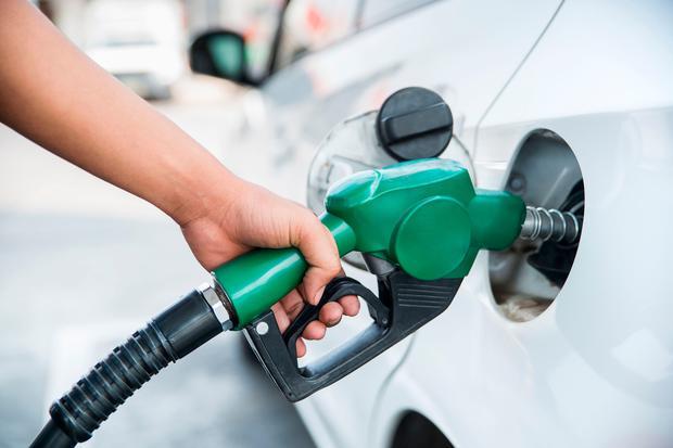 फेरि बढ्यो इन्धनको मूल्य, पेट्रोल लिटरको १२७ रुपैयाँ