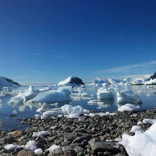 photos_and_videos/Antarcticalandscape_10155335928056869/18155996_10155335958236869_4645132522491156039_o_10155335958236869.jpg