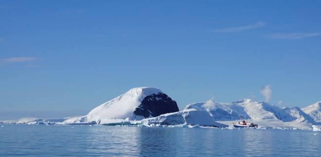 photos_and_videos/Antarcticalandscape_10155335928056869/18193220_10155335955766869_1652559798279319745_o_10155335955766869.jpg
