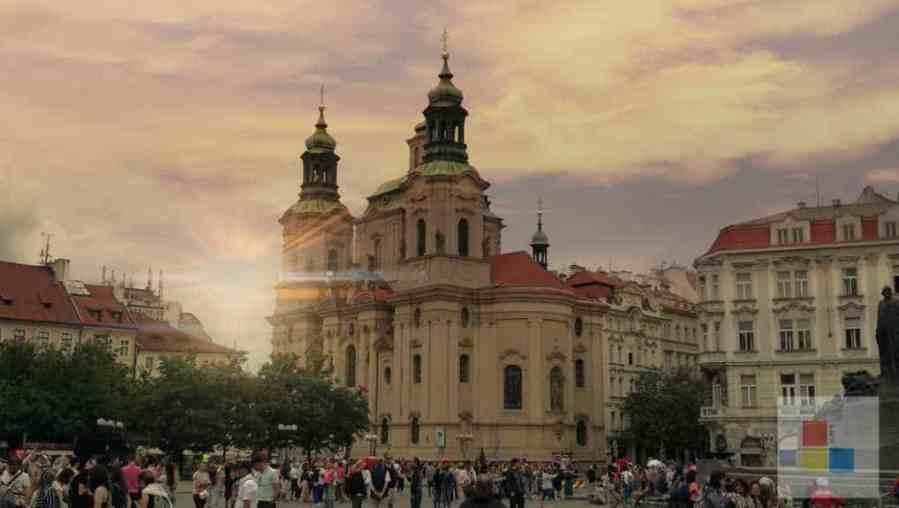 St. Nikolaus   Kirchen und Klöster in Prag