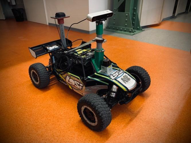 Smart Car Tomi 2.0
